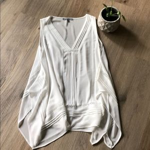 White top by NY Collection - size medium